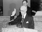 Lennart Meri swores the aath in front of the Riigikogu on October, 6th, 1992 (Photo:Toomas Volmer, ETA)